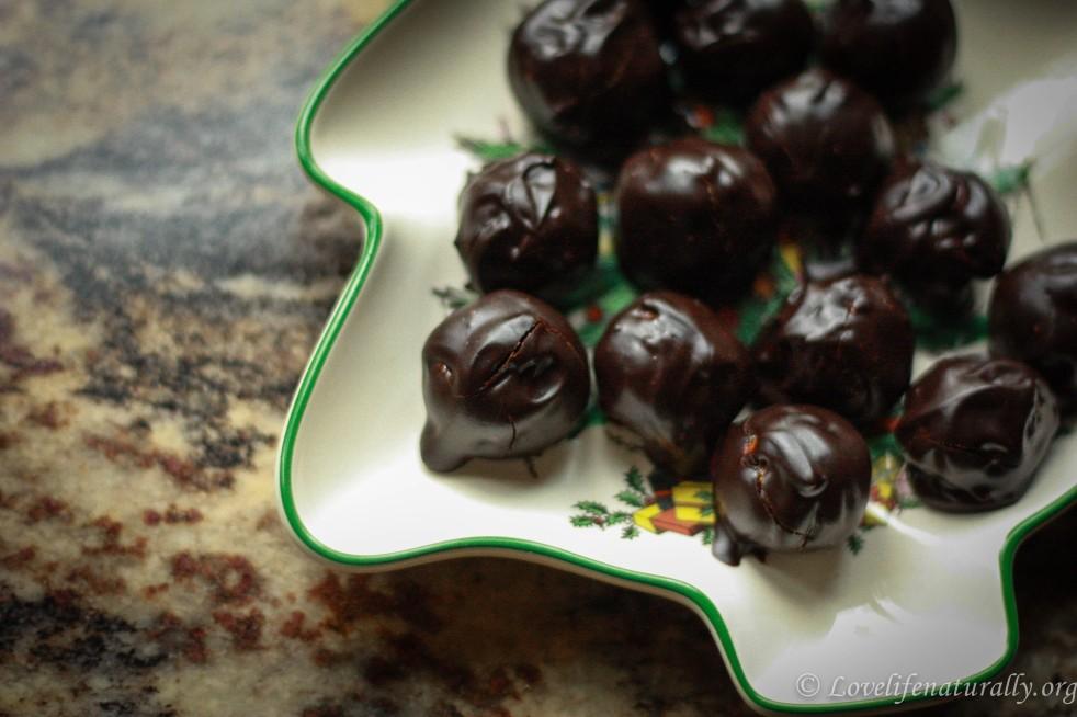 Pistachio and Goji Berry Truffles
